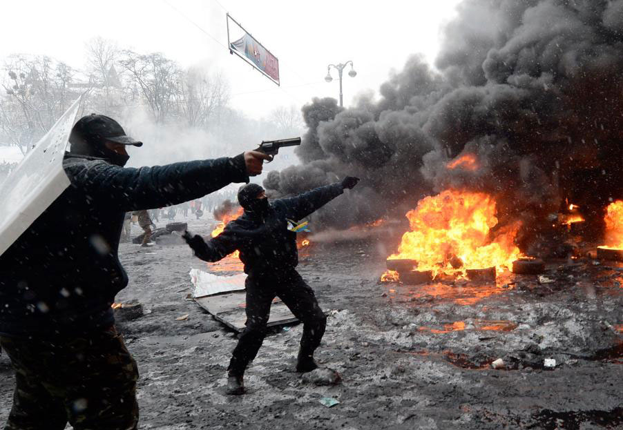 PCN-TV - LM guerilla urbaine à Kiev (2014 01 22) FR