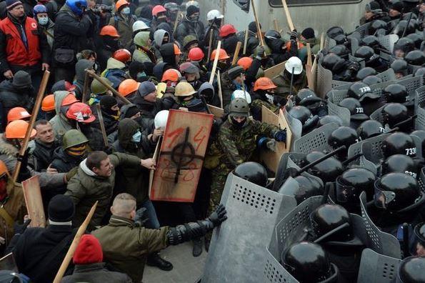 PIH - LM double et trouble jeu à Kiev (2014 01 29) FR