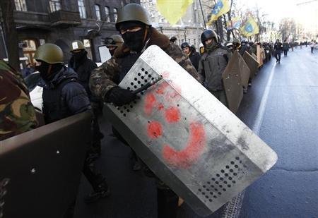 PCN-SPO - LM & KH russie condamne le coup de kiev (2014 02 24) FR