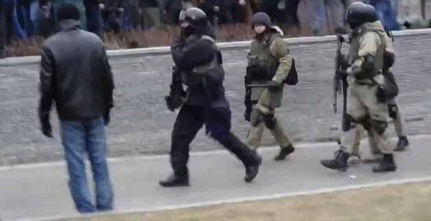 LM.NET - EN BREF que sait-on des mercenaires en Ukraine (2014 05 02) FR 1