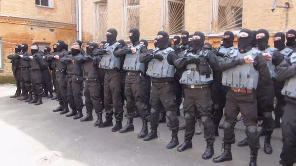 PCN-TV - Bataillon Azov Il Giornale (2014 07 22) FR 1