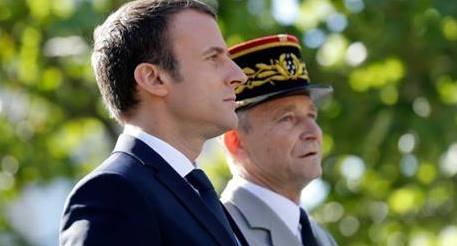 Macron - De Villiers