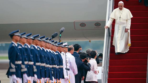 Vatican pape.jpg