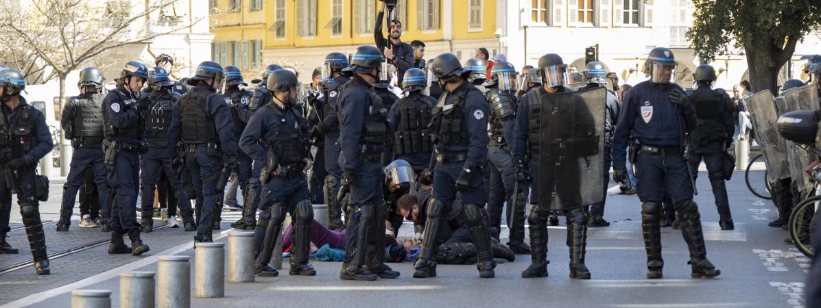 regime macron repression policiere droit de l'homme